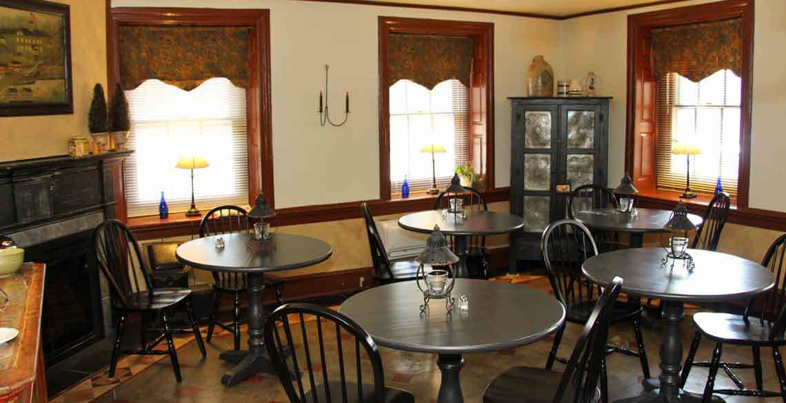 1777 Americana Inn Bed and Breakfast, Ephrata, Lancaster County PA - Breakfast Room