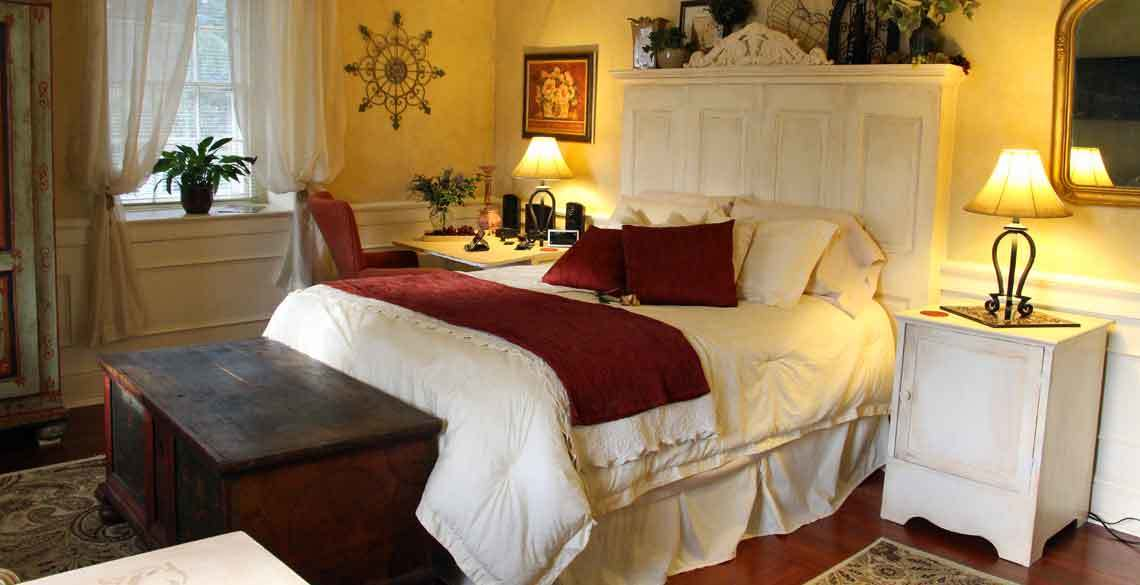 Bed And Breakfast With Fireplace And Jacuzzi In Pa