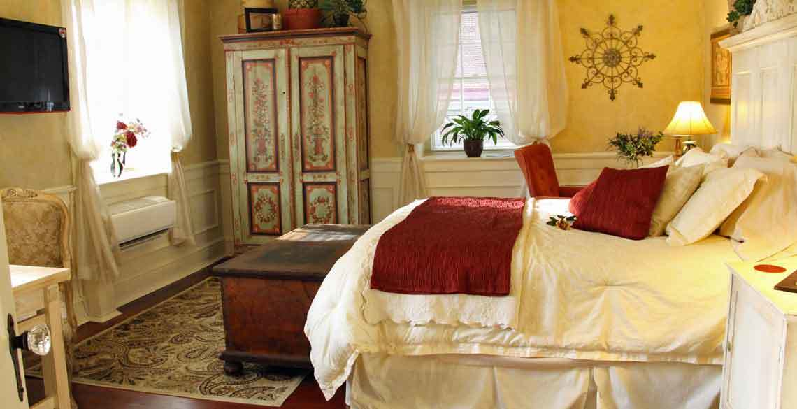 Le Boudoir Bedroom, 1777 Americana Inn Bed and Breakfast, Ephrata, Lancaster County PA