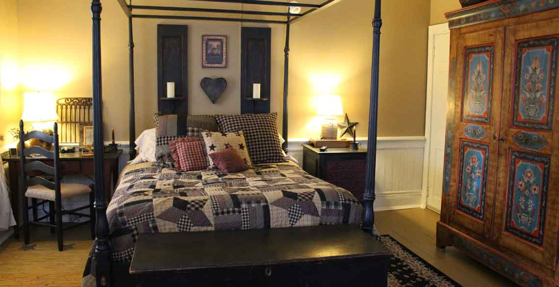 Comfy Bed Primitive Place Room in Lancaster County, PA