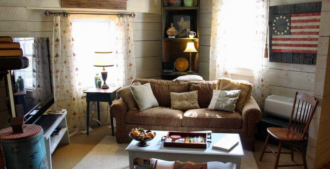 Cozy Couch Patriot Suite in Ephrata, PA