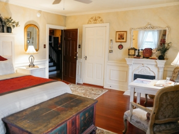Romantic Suite in Lancaster County, PA at Bed and Breakfast in Ephrata, PA