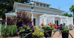 Outdoor View of 1777 Americana Inn in Ephrata, PA